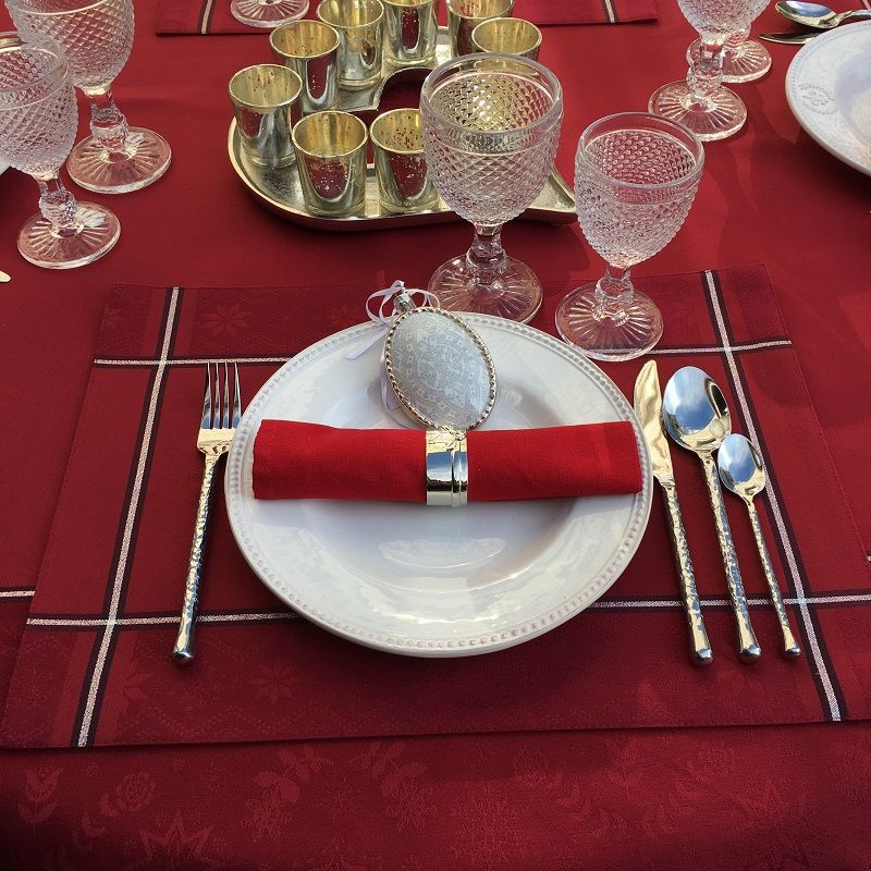"""Jacquard polyester placemat """"Natif"""" red and silver by Sud Etoffe"""