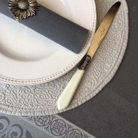 """Set de table rond en Boutis """"Mirabelle"""" gris, Sud-Etoffe"""