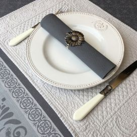 "Boutis placemats ""Calliope"" grey color by Sud-Etoffe"