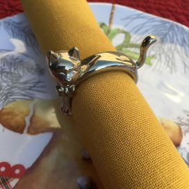 "Silvery metal napkin ring ""Cat"""