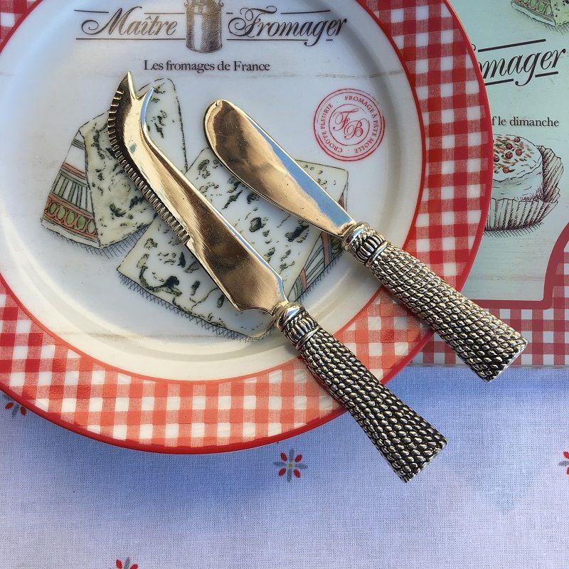 "Silvery metal butter knife spreader ""Parsementerie"""