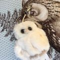 "Barbara Bukowski - the owl ""Clever Blanca"" keyring"