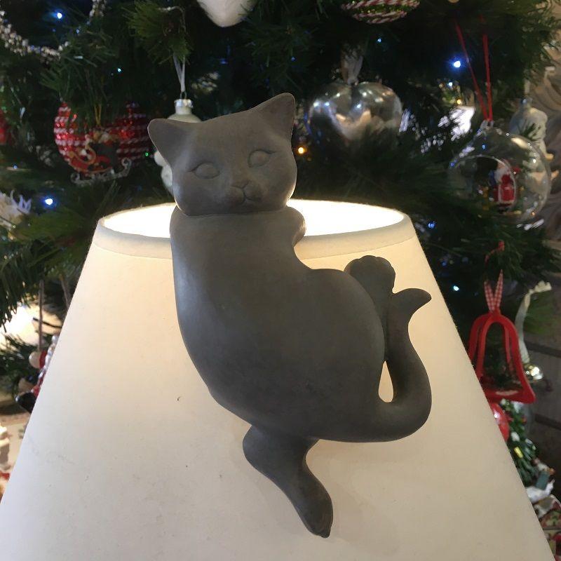 Chat gris en résine pour abat-jour