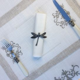 "Linen and polyester  table mat ""Coeurs brodés"" white and linen bordure"