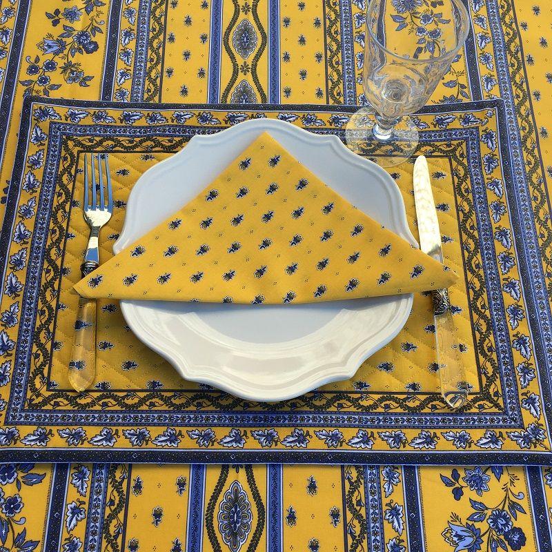 """Set de table matelassé cadré """"Avignon"""" jaune et bleu, Marat d'Avignon"""