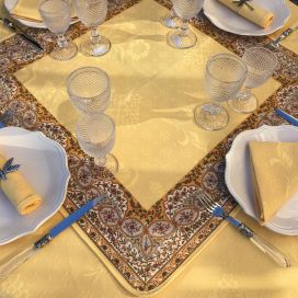"Square damask Jacquard tablecloth yellow, bordure ""Palmette"" yellow"